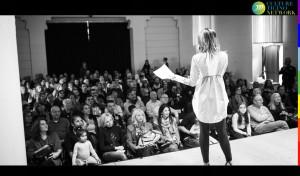Spettacolo Ballando e Cantando alle Donne nel Mondo